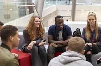 Pemasaran Pendaftaran Pelajar untuk Universitas